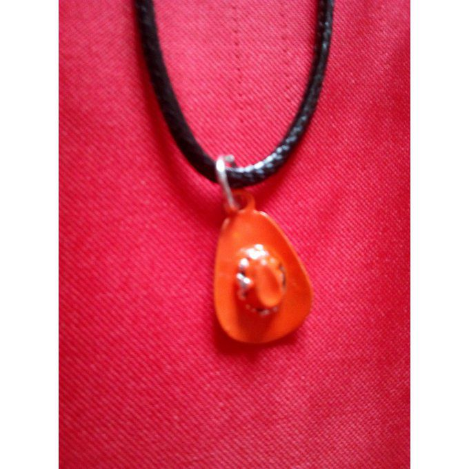 Collier Chapeau Faux Strass Orange